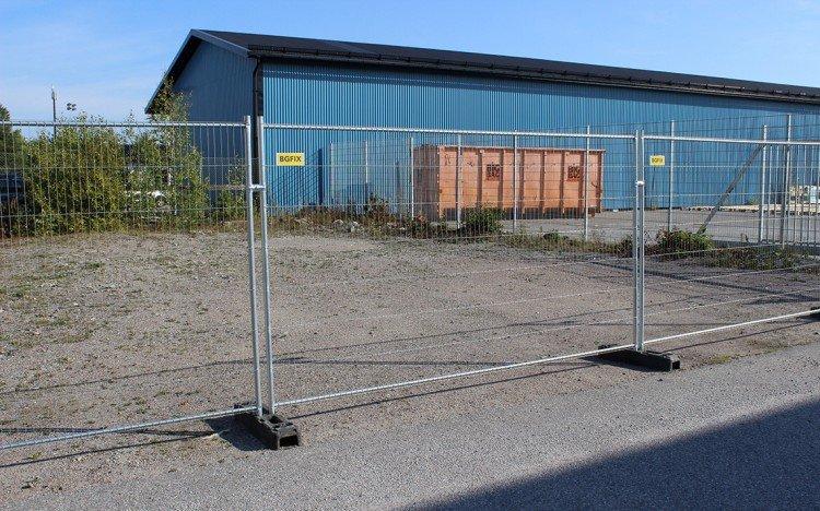 Stängsel för byggarbetsplatser